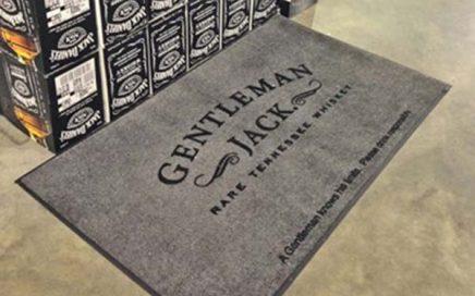 Beverage Demonstration Retail Shop Rubber Logo Carpet Commercial Use Custom Logo Floor Mat For Jack Daniel'S